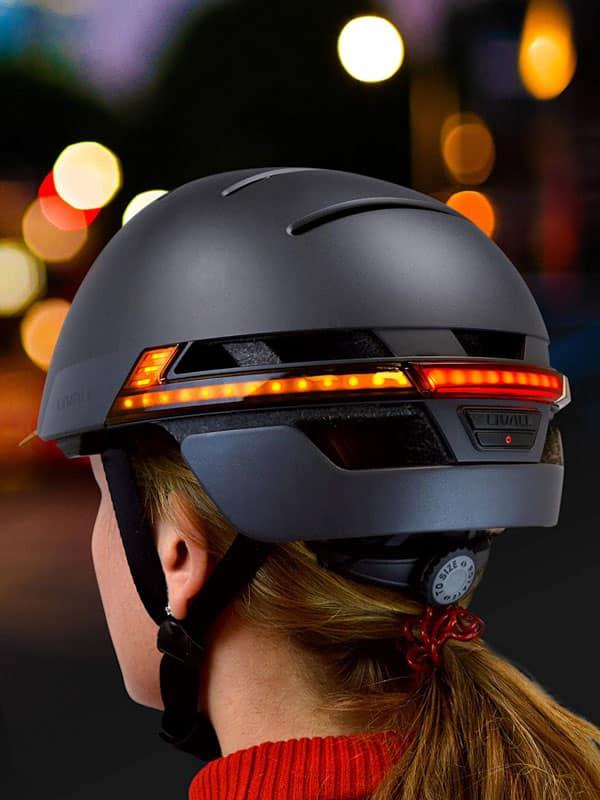 casco con luces