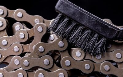 Limpiar y engrasar la cadena de la bici